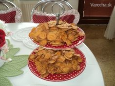 Slané krekry (fotorecept) - recept | Varecha.sk Waffles, Pancakes, Ale, Food And Drink, Pizza, Party, Breakfast, Basket, Morning Coffee