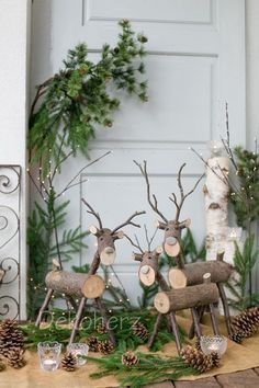 Simple and simple Christmas decorations outdoors; Home decor; - Popular pictures - Simple and simple Christmas decorations outdoors; Home decor; Christmas Wood Crafts, Outdoor Christmas Decorations, Rustic Christmas, Christmas Projects, Simple Christmas, Christmas Home, Holiday Crafts, Christmas Wreaths, Christmas Ornaments
