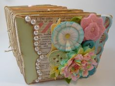 Eileen Hull for Sizzix featuring her die line Square Box Chunky Book, March 2013
