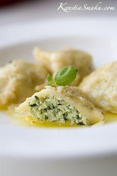 Pierogi ze szpinakiem i serem ricotta z masłem