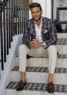 The Gentleman's Guide to Casual Fridays Formal Men Outfit, Smart Casual Outfit, Stylish Mens Outfits, Casual Outfits, Business Casual Men, Business Fashion, Men Casual, Smart Casual Menswear, Business Suits