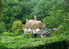 House Facade Stone English Cottages 65 New Ideas Cottage In The Woods, Cozy Cottage, Cottage Homes, Cottage Style, Cottage Gardens, Landscape Design Small, Small Garden Design, Fairytale Cottage, Storybook Cottage