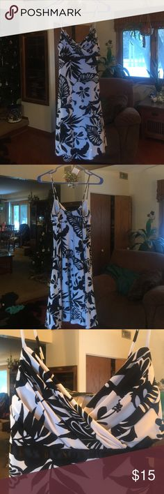 """Jodi Kristopher Spaghetti Strap Dress EUC - no rips, stains or snags.  93% polyester, 8% spandex. Fully lined with 100% polyester. 35"""" from shoulder to hem. Smoke free home. Jodi Kristopher Dresses Midi"""