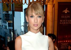 Taylor Swift Snags Six Country Music Award Nominations