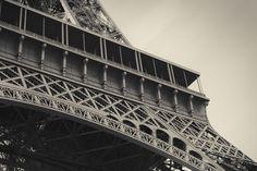 Eiffel Tower #eiffel #tower #torre #detail #detalle #photography #fotografia #paris #france #francia