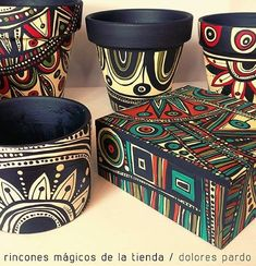 Pottery Painting Designs, Pottery Designs, Paint Designs, Painted Plant Pots, Painted Flower Pots, Flower Pot Design, Foto Baby, Indian Art Paintings, Creation Deco