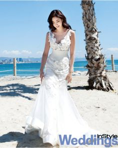 Flower details 'V' neck mermaid line tulle wedding gown / Korean Concept Wedding Photography - IDOWEDDING (www.ido-wedding.com)