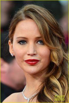 Jennifer Lawrence - SAG Awards 2013 Red Carpet