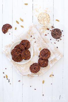 Sokerittomat ja gluteenittomat suklaapähkinäkeksit ovat helppotekoisia. Ne on luontaisesti makeutettuja ja rapeiksi paistettuja.