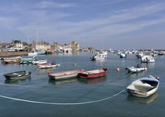 Visit the old port of Barfleur in Manche © musat, Thinkstock Old Port, Main Attraction, Normandy, Holiday Ideas, Old Things, Sleeve, Normandie, Travel Ideas