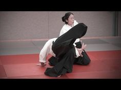 Aikido: OKAMOTO Yoko Sensei - Seminar in Offenbach 2014 - YouTube It's important to drop your weight in order to control the attacker.