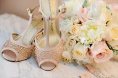 Blush bridal heels and rose bouquet