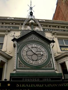 John Dyson's Time Ball Building ~ Briggate, Leeds (Yorkshire, England) The main clock on the front of the building was built around Outdoor Clock, Large Clock, Telling Time, Daily Photo, Kirchen, Leeds, Old Pictures, All Over The World, Big Ben