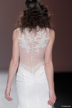 cymbeline 2015 sleeveless v neck wedding dress sheer back view
