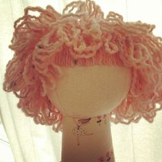 I Love this loopy doll hair - tutorial from Wee Wonderfuls at http://www.weewonderfuls.com/2013/01/loopy-moppy-yarn-hair-how-to.html