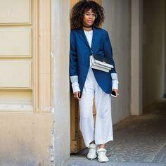 A alemã @jan.quammie é especialista em mesclar alfaiataria com peças esportivas  não à toa ela se tornou queridinha do street style. Inspire-se na editora para um look de trabalho nada óbvio! #LOFFama #ootd  via L'OFFICIEL BRASIL MAGAZINE INSTAGRAM - Fashion Campaigns  Haute Couture  Advertising  Editorial Photography  Magazine Cover Designs  Supermodels  Runway Models