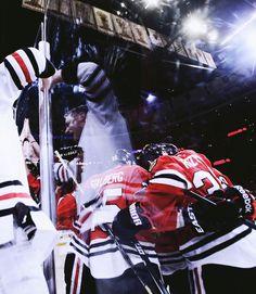 Chicago Blackhawks (via peekaaboo)
