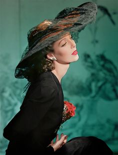 Loretta Young, beautiful, classy actress, New York, photographed by Horst P. Horst, 1941