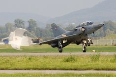 Air Force, Dassault Aviation, Swiss Air, Old Planes, Aeroplanes, Machine Design, Cold War, Military Aircraft, Fighter Jets