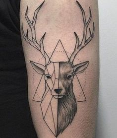 Only the best free Geometric Deer Tattoo Arm tattoo's you can find online! Geometric Deer Tattoo Arm tattoo's to print off and take to your tattoo artist. Hirsch Tattoo Hand, Hirsch Tattoos, Hirsch Tattoo Frau, Body Art Tattoos, New Tattoos, Sleeve Tattoos, Tattoos For Guys, Cool Tattoos, Thigh Tattoos
