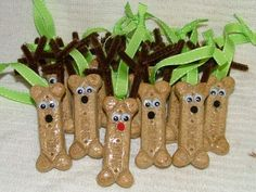 Dog bone reindeer ornaments ~ I think I will make our dogs their own christmas treat!
