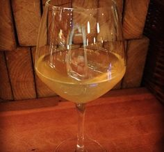kold hvid gløgg White Wine, Alcoholic Drinks, White Wines, Liquor Drinks, Alcoholic Beverages, Liquor