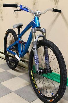Dartmoor Shine - Fox fork - Marvic Wheels - Avid Brakes - Deity component http://www.pinkbike.com/photo/8639642/