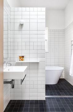 Best luxury modern bathroom design ideas for your home   www.bocadolobo.com #bocadolobo #luxuryfurniture #exclusivedesign #interiodesign #designideas #homedecor #homedesign #decor #bath #bathroom #bathtub #luxury #luxurious #luxurylifestyle #luxury #luxurydesign #masterbaths #tub #spa #tile #shower #marble #luxurybathroom