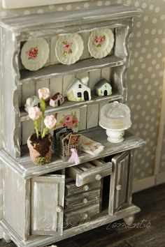 I wanted The Sweet Life dollhouse to be a super cozy place with lots of vintage charm. To welcome you home, I made a little front yard. ...