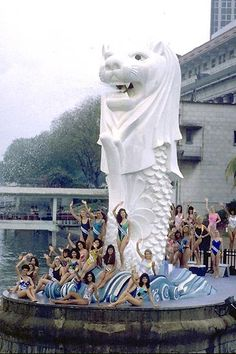 1000 images about merlion on pinterest singapore for Merlion tattoo images