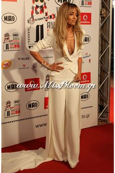 Famous Singers, Celebrity Style, Jumpsuit, Night, Celebrities, Classic, Dresses, Fashion, Overalls
