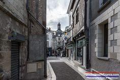Continuing our series showing the character of Amboise Val de Loire we would like to show you one of our favourite views from Rue de la Concorde.   #Photography #Travel #Wunderlust #Amboise #Loire #LoireValley #France Amboise Val de Loire Blois - Chambord Azay-le-Rideau Tourisme Chenonceaux Bléré Tours Val de Loire Tourisme La Touraine Loire Valley.