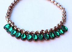 Bromeliad: My DIY 10-minute emerald necklace - Fashion and home decor DIY and inspiration