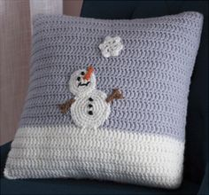 Free Snowy Day Pillow Crochet Pattern from RedHeart.com