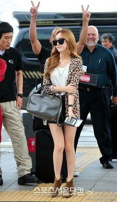 Snsd fashion airport at Incheon headed to jakarta