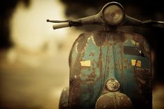 I would love to own this Vespa with it's beautiful patina.