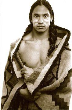 "Native American man I'd love to ""share his blanket"" Native American Actors, Native American Beauty, Native American Photos, Native American History, American Pride, American Indians, Native American Blanket, Beautiful Men, Beautiful People"