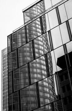 Glas Fassade ... Wolfgang G. Bertl