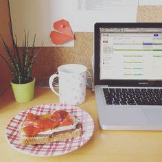 Cada día le veo más ventajas a trabajar desde casa.  #horadealmorzar #workinprogress #workathome