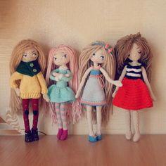 Стоят девчонки, стоят в сторонке... Никогда у меня ещё не собиралось их так…