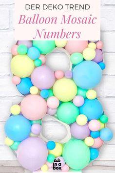 Ihr feiert einen Runden Geburtstag oder Eure Kleine wird ein wunderbares Jahr älter? Dann haben wir den absoluten Party Trend für Euch: Ballon Mosaik Zahlen, da sieht älter werden doch gleich viel schöner aus! Den Party-Trend Ballon Mosaik kannst Du jetzt ganz einfach zu Hause nachmachen! Wir liefern Dir dafür alles, was Du benötigst in nur einer Box! Party Box, Diy Party, Unicorn Balloon, Party Decoration, Easter Eggs, Balloons, Rainbow Balloons, Unicorn Party, Dekoration