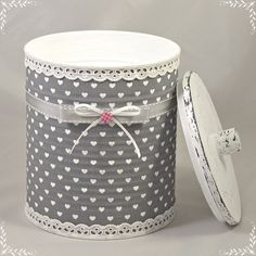 1 million+ Stunning Free Images to Use Anywhere Tin Can Crafts, Diy Arts And Crafts, Hobbies And Crafts, Fun Crafts, Decorative Planters, Decorative Boxes, Christmas Party Decorations Diy, Tin Can Art, Simple Bedroom Design
