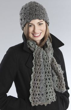 Free crochet scarf pattern that I'm going to try in bulky weight yarn.
