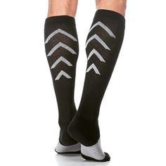 Did you find yourself limping out of the #gym after a hard #workout? Throw on a pair of @sigvarisusa recovery compression socks to speed up recovery and reduce the pain of sore muscles. Perfect for men and women that have a #passion for #running, #cycling, #golfing or #crossfit. Get your own at www.brightlifego.com  #brightlifego #sigvaris #guy #girl #athletic #sports #training #legday #pain #sore #dead #tired #muscle #bodybuilding #progress #motivation #fitness #health #sundayrunday…