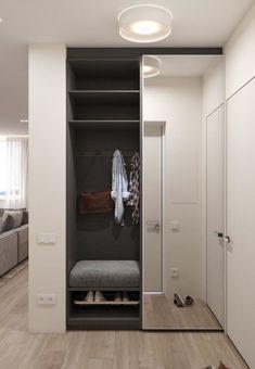 Idee Interior design - Ingresso Entrance ideas, home decor Closet Mirror, Hallway Closet, Sliding Closet Doors, Hallway Storage, Master Closet, Mirror Door, Sliding Wardrobe, Home Entrance Decor, House Entrance