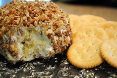 Pineapple Cheeseball ☀CQ #appetizers http://www.pinterest.com/CoronaQueen/appetizers-and-football/
