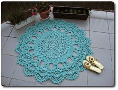 pattern no longer available. Please help me find it! Knitted Blankets, Doilies, Rugs On Carpet, Ravelry, Knit Crochet, Projects To Try, Crochet Patterns, Pillows, Knitting