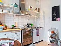 Resultado de imagem para cozinha planejada pequena com balcão e prateleiras