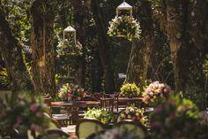 O casamento de hoje foi um destination wedding lindo em meio a um cenário super arborizado e clima de floresta - um sonho! A Sabrina e o Pardal se con
