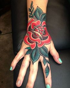 Hand Tattoos for Women . Hand Tattoos for Women . Traditional Hand Tattoo, Traditional Tattoo Flowers, Traditional Roses, Finger Tattoos, Body Art Tattoos, Sleeve Tattoos, Tattoo Ink, Hand Tattoos For Women, Tattoos For Guys